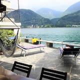 Direct on Lugano Lake: Take a Swim From Your Villa