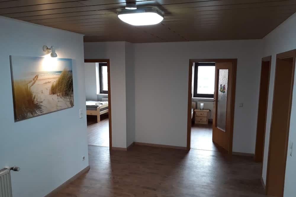 Apartment, 4 Bedrooms, Balcony (Dachgeschoss) - Living Area