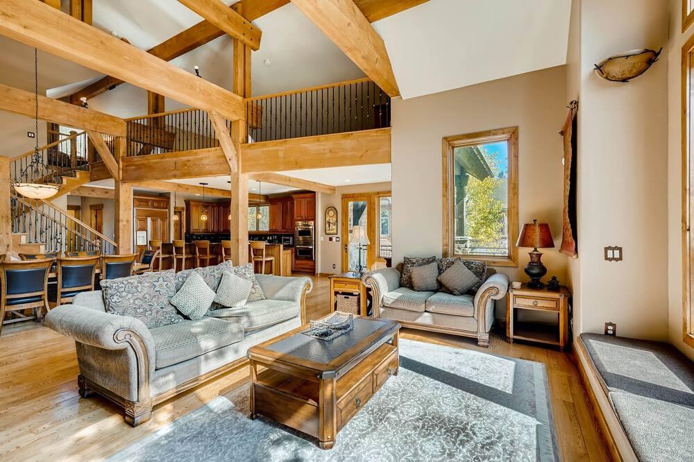 Dom, 4 spálne - Obývačka