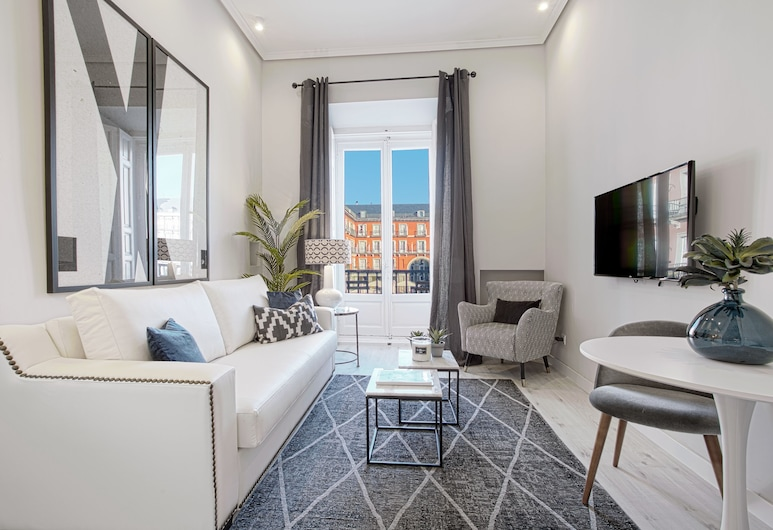 Apartment 1Bd With Balcony in Plaza Mayor Square. Plaza Mayor I, Madrid, Apartment, 1 Bedroom, Living Room