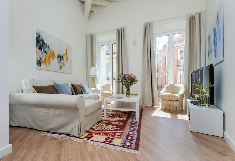 Prime Location 2 BD Apartement Next to the Town Hall Square Zaragoza II, Seville