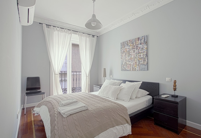 Design Apartment in the Center of Madrid. 2bedrooms. Teatro Real III, Madrid, Apartment (2 Bedrooms), View from room