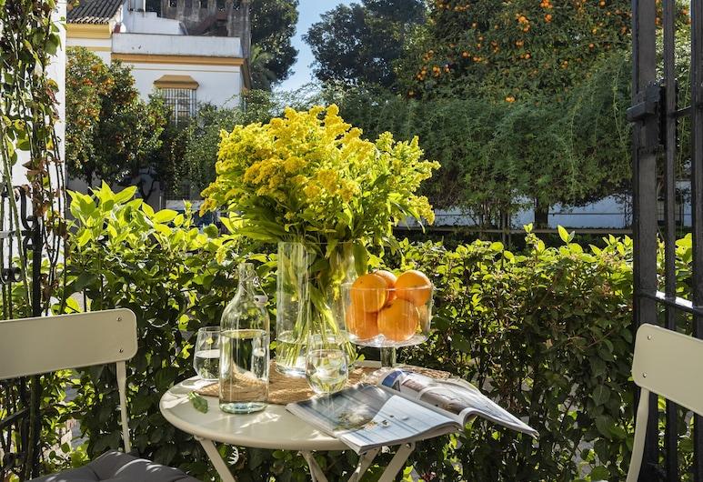 Great and Brand new 3 Bd Apart. in Santa Cruz Quarter. Santa Teresa III, Seville, Apartment (3 Bedrooms), Terrace/Patio