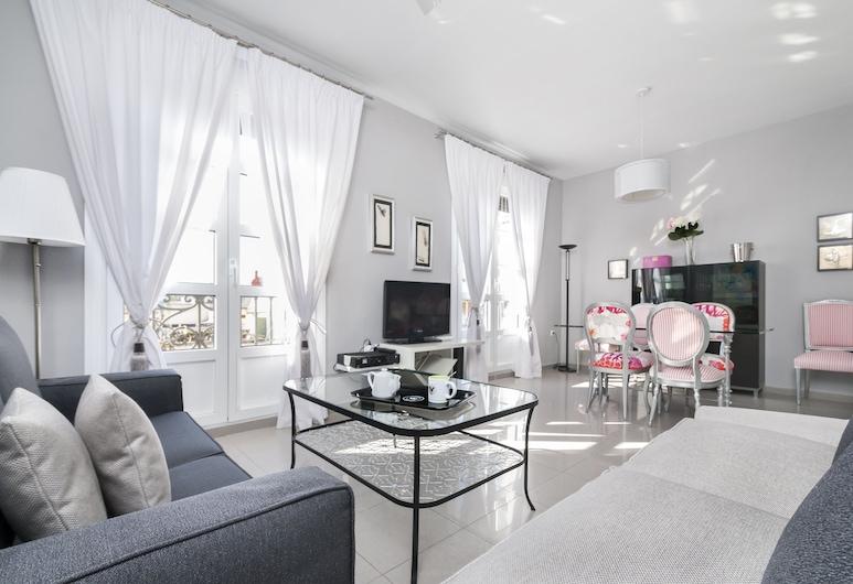 明るいベッドルーム 3 室のアパートメント、マエストランサ闘牛場の近く、アントニア ディアス , セビリア