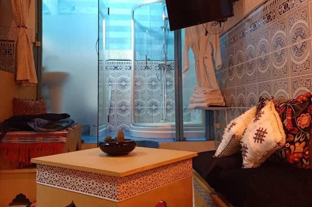 Double Room (Kenza) - Living Area