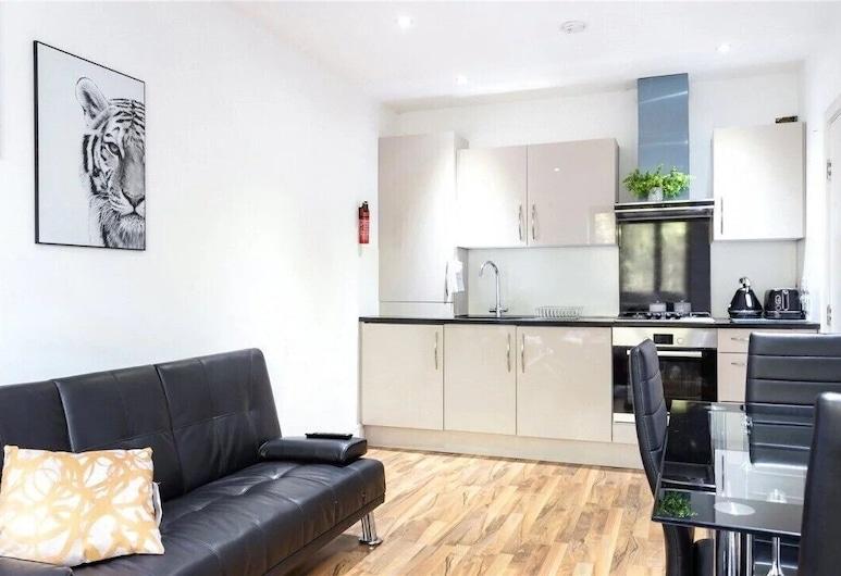 Newly Refurbished 1 Bedroom Whitechapel, London, Luxury-Apartment, Eigene Küche