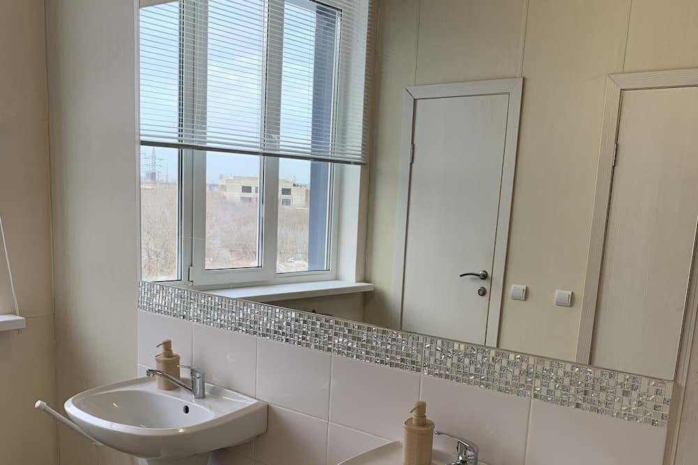 Shared Dormitory, Mixed Dorm (8 guests) - Bathroom