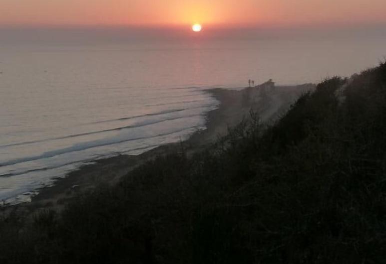 Marocsurf Camp Taghazout , Taghazout, Habitación cuádruple, Vista a la playa o el mar