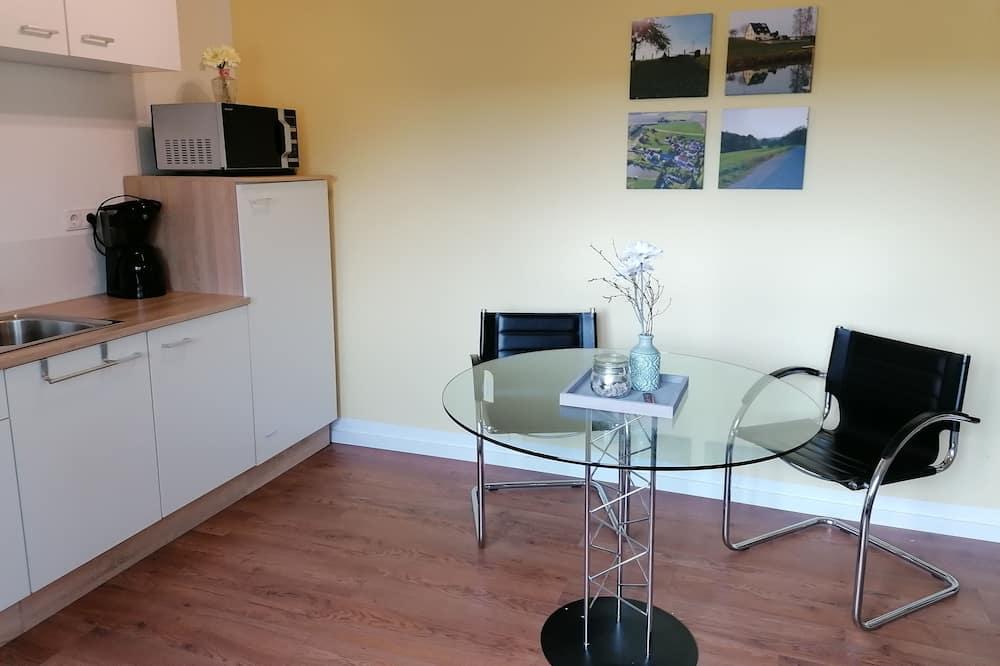 Comfort-hús (incl. cleaning fee 5 EUR per night) - Máltíð í herberginu