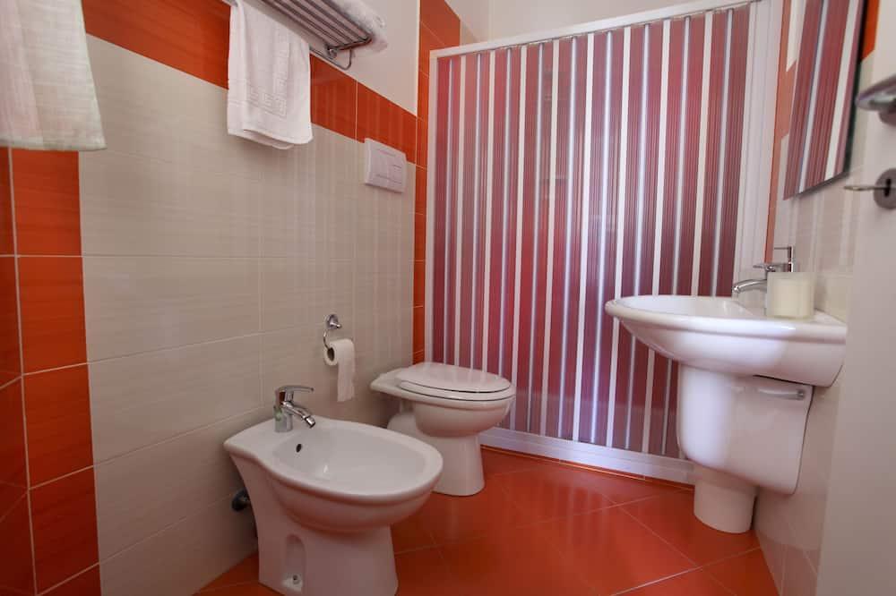 四人房 (Arancione) - 浴室