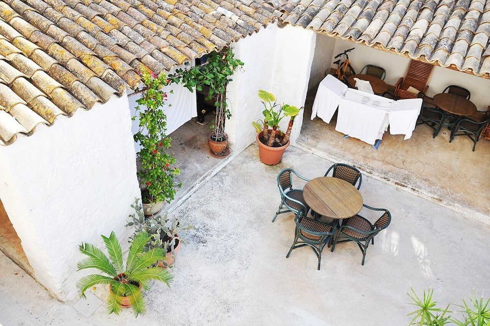 Apartment, 1 Bedroom - Courtyard View