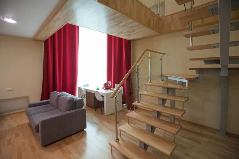 Studio LOFT - Living Room