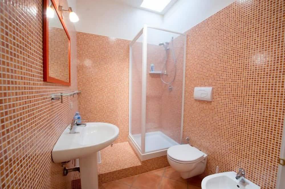 Улучшенный двухместный номер с 1 двуспальной кроватью (Corallo) - Ванная комната