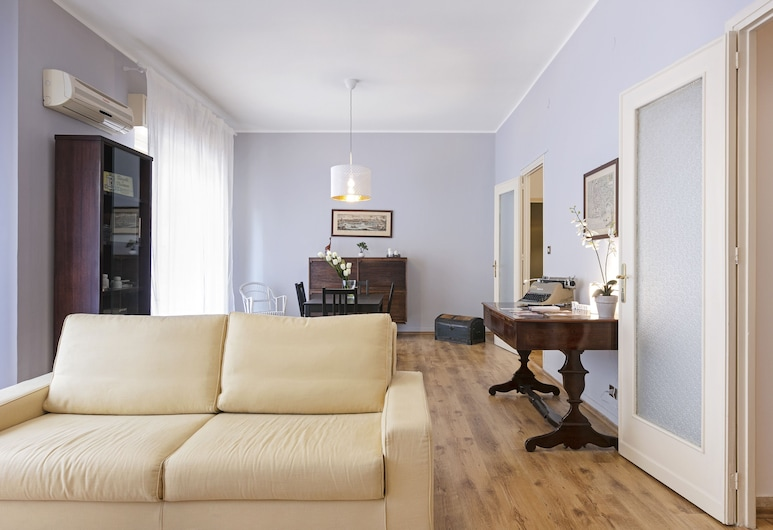 Palermo Balcony Flat, Palermo, Apartment, 2 Bedrooms, Living Area