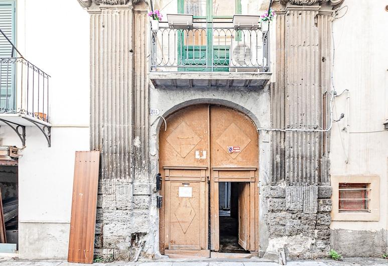 Palazzo dei Normanni Stylish Apartment, Palermo, Property entrance