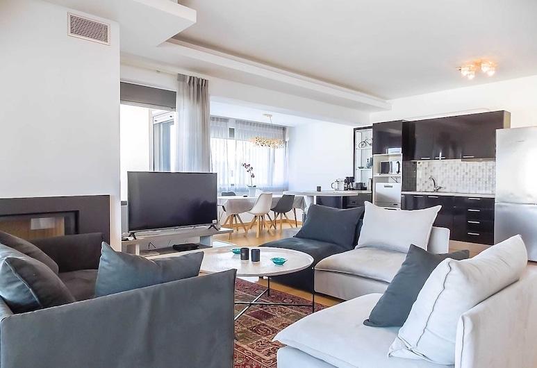 Stylish 2 Bedroom Apartment Spectacular Sea View, Vari-Voula-Vouliagmeni, Panoramic-Apartment, Wohnbereich