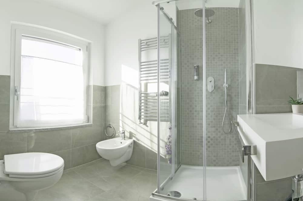 Twin Room, Shared Bathroom - Bilik mandi