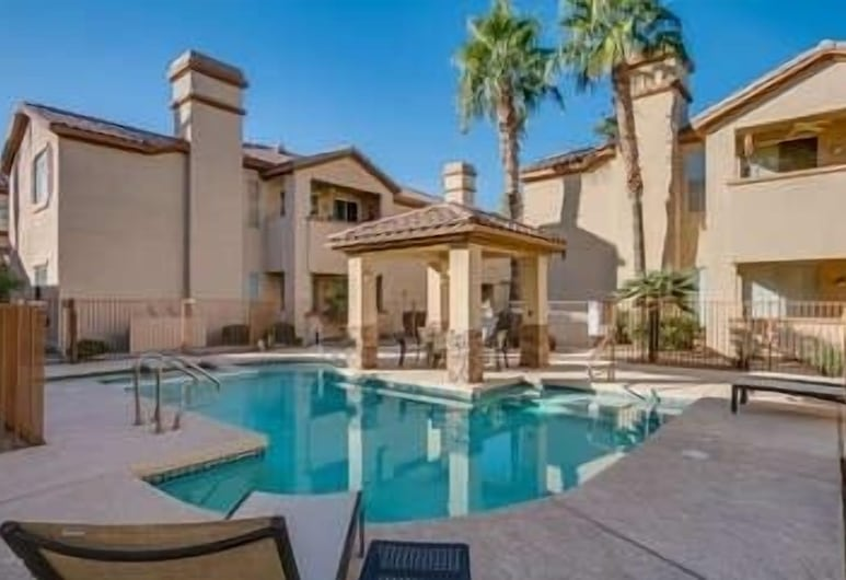 Miller Road 207a 2 Bedroom Townhouse, Scottsdale, Townhome, 2 Bedrooms, Pool