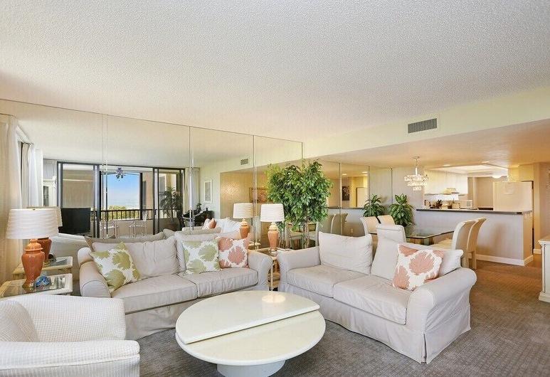 Gulf And Bay Club- B507 Great Location! 2 Bedroom Condo, Siesta Key