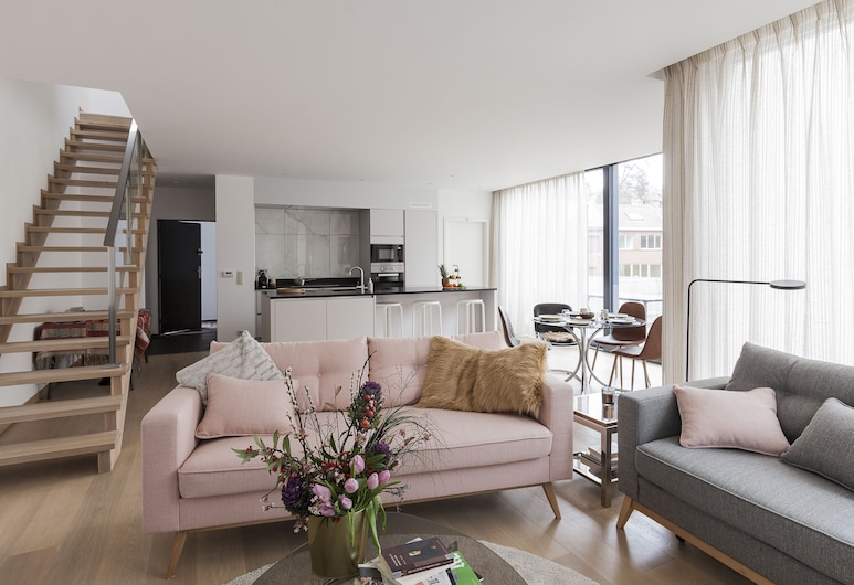 Unit 2 - Modern Smart Home Duplex With Free Parking, Brussels