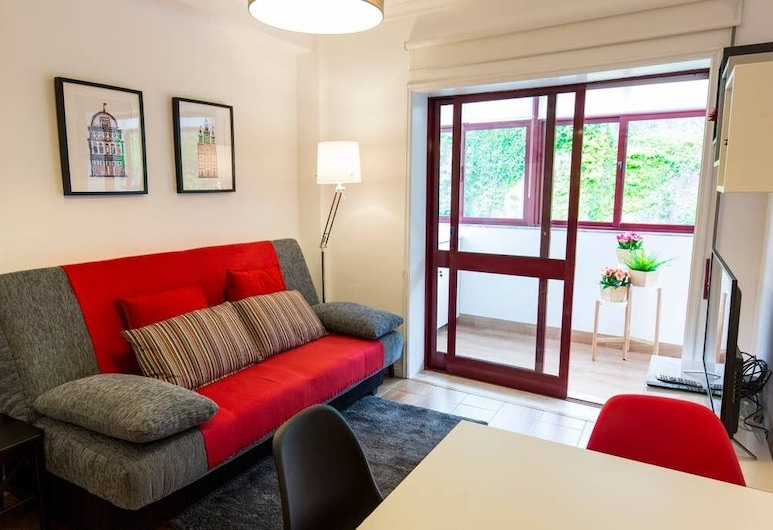 Olive 2 - Downtown Porto by the Metro, Porto, Apartment, 1 Bedroom, Living Area