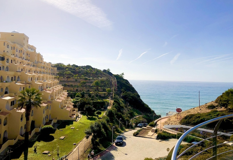 Apartment With one Bedroom in Carvoeiro, With Wonderful sea View and Furnished Terrace, Carvoeiro, Beach