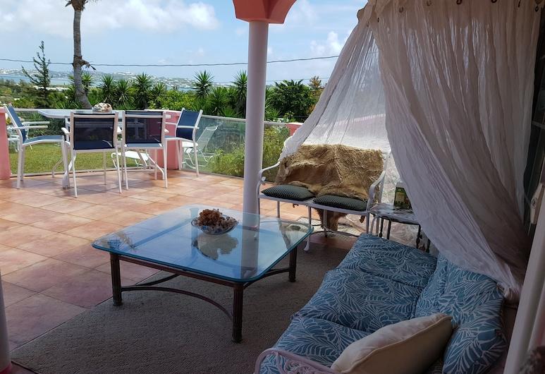 Bermuda Connections Guest House, Southampton Parish, Terrace/Patio