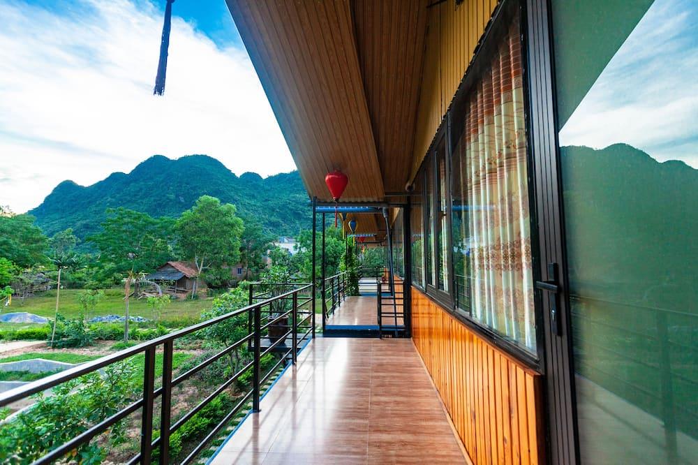 Basic Quadruple Room - Balcony
