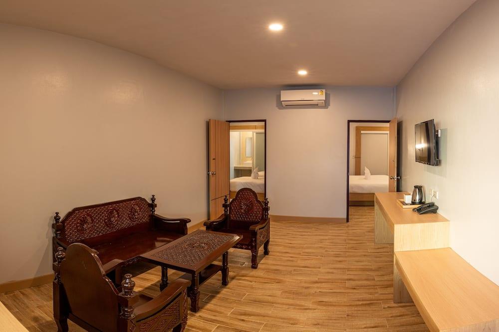 Phòng dành cho gia đình, 2 phòng ngủ, Không hút thuốc, Cạnh hồ bơi - Khu phòng khách