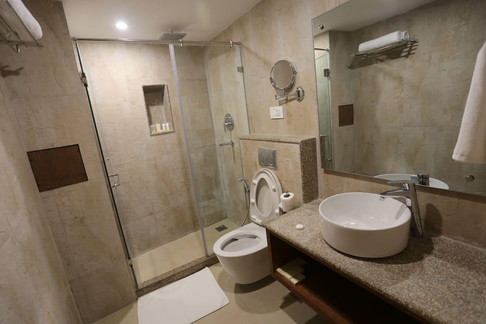皇室開放式套房 - 浴室