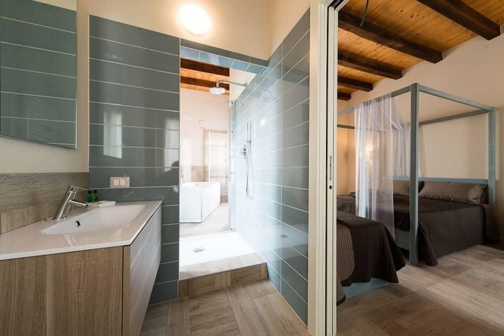 Romantic Σουίτα, Τζακούζι - Μπάνιο