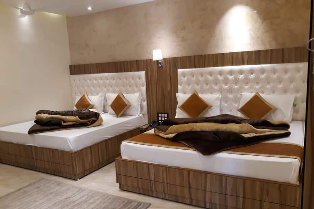 Family Room, 2 Double Beds - Guest Room