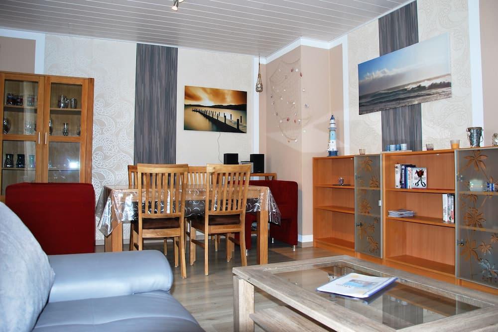 Apartamentai, 2 miegamieji, sodas - Vakarienės kambaryje