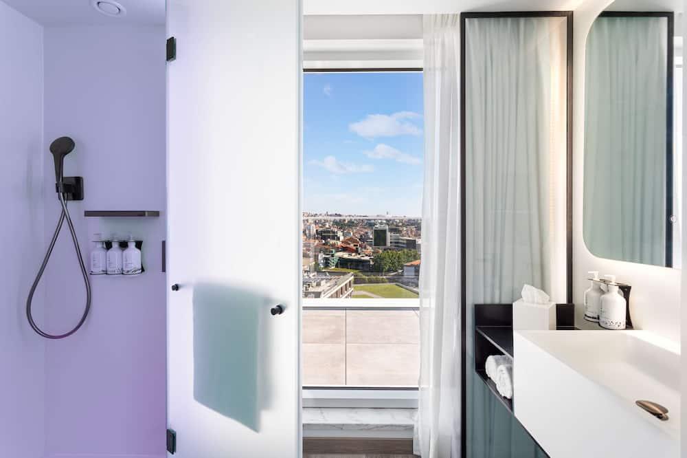 Queen Suite, First Class, City View - Zimmer