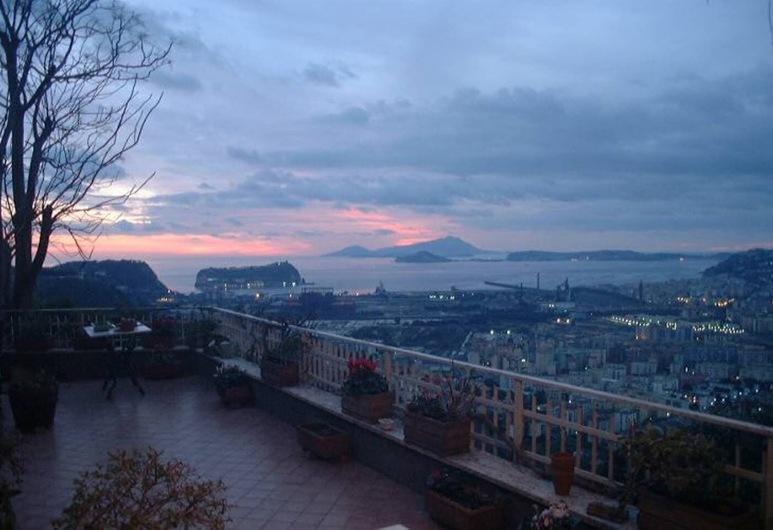 Posillipo Dreams, Naples, Teras/Patio