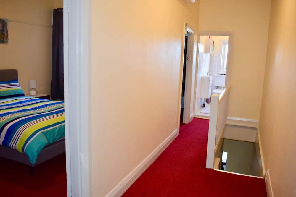 Apartamentai (3 Bedrooms) - Kambarys