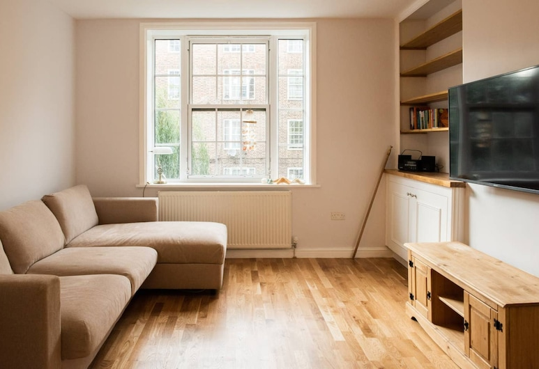 Modern 2 Bedroom Flat in Prime Waterloo Location, London