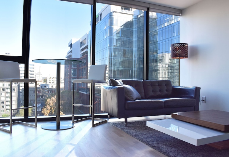 Modern Downtown Studio in High Rise, Toronto