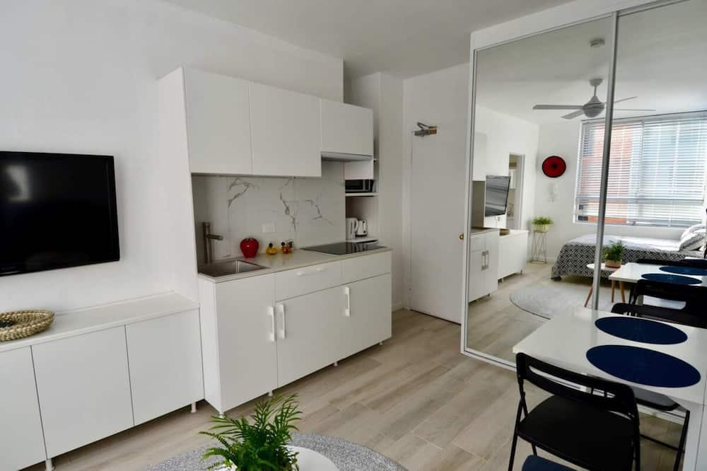 Studio (0 Bedroom) - Salon