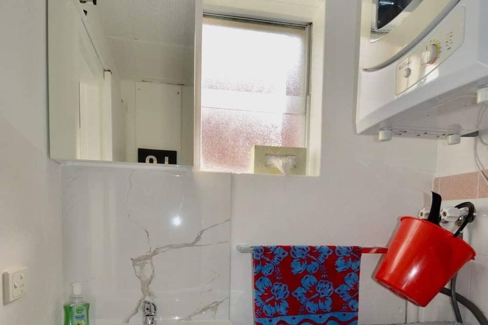 Studio (0 Bedroom) - Phòng tắm