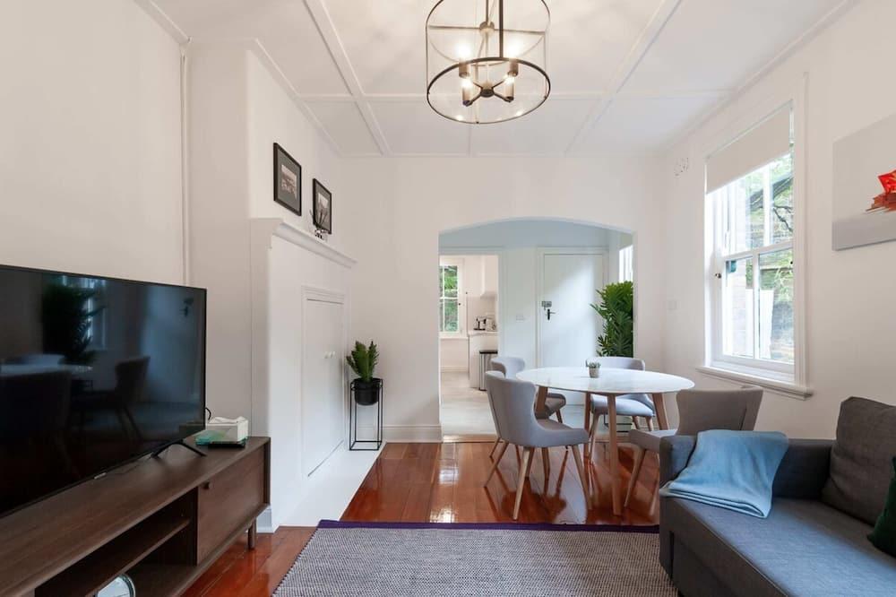 Апартаменти (2 Bedrooms) - Вітальня