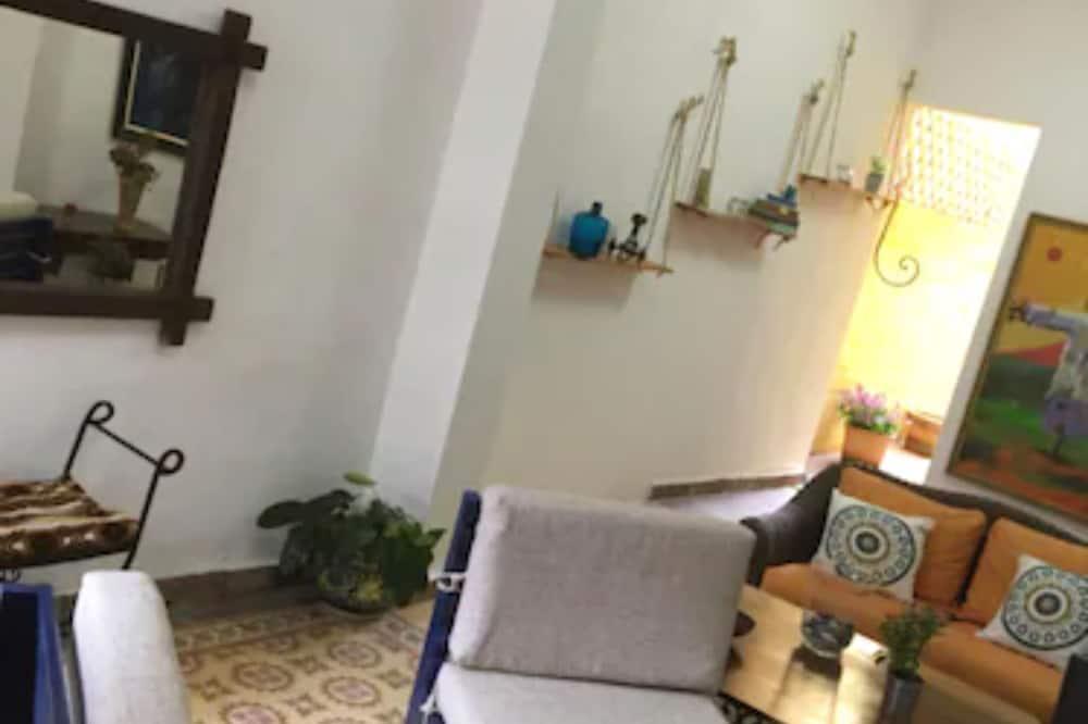 Standard Single Room (Ramón) - Living Area