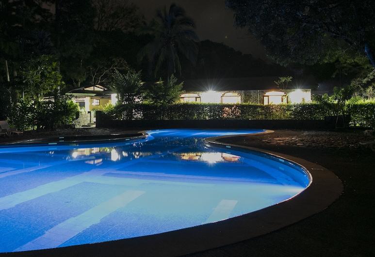 馬勒庫思山旅館, Guayabo