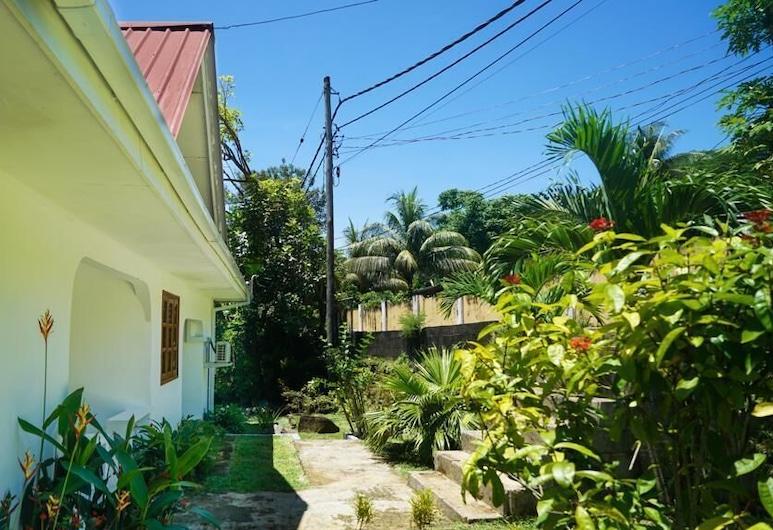 Ogumka Self catering , האי מאהה, גינה