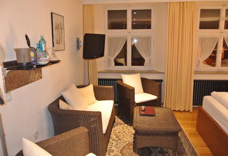 Goldenes Lamm, Dinkelsbühl, Vierbettzimmer, Wohnbereich