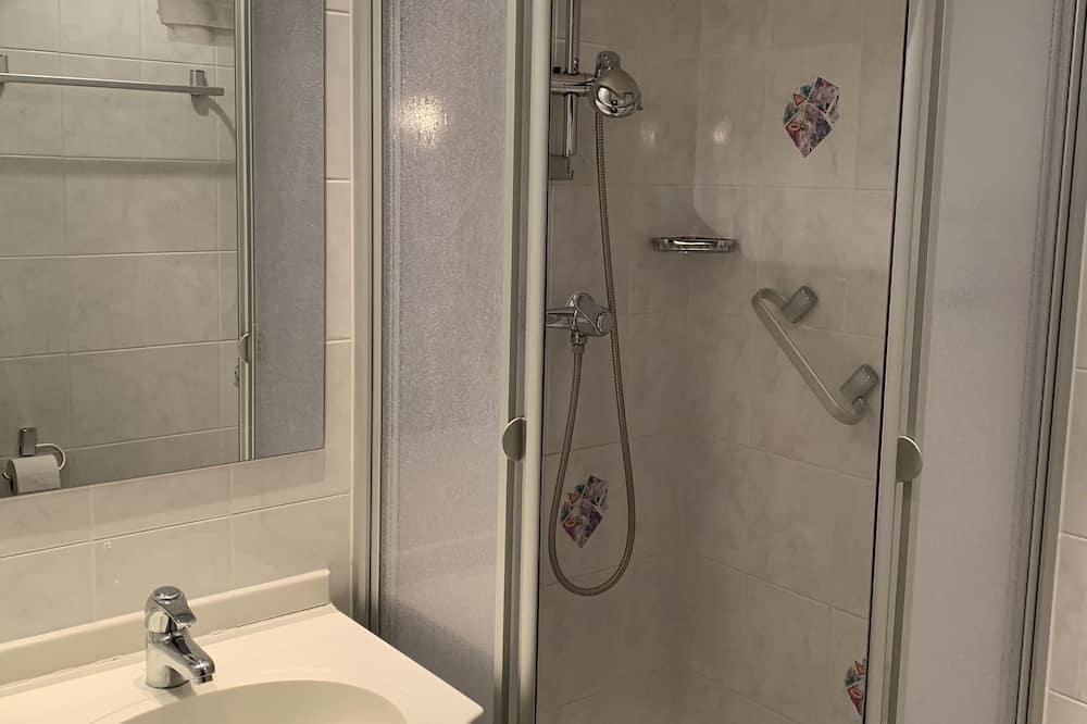 Grand - kahden hengen huone, 1 keskisuuri parisänky, Tupakointi kielletty - Kylpyhuone