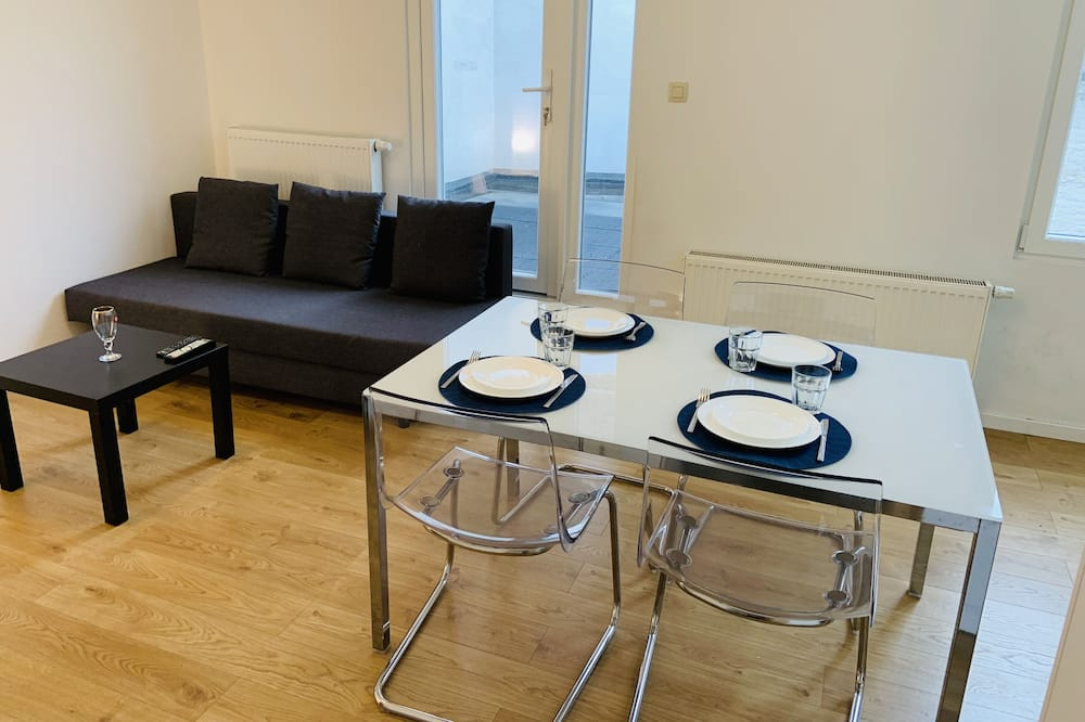 Deluxe Apartment (2) - In-Room Dining