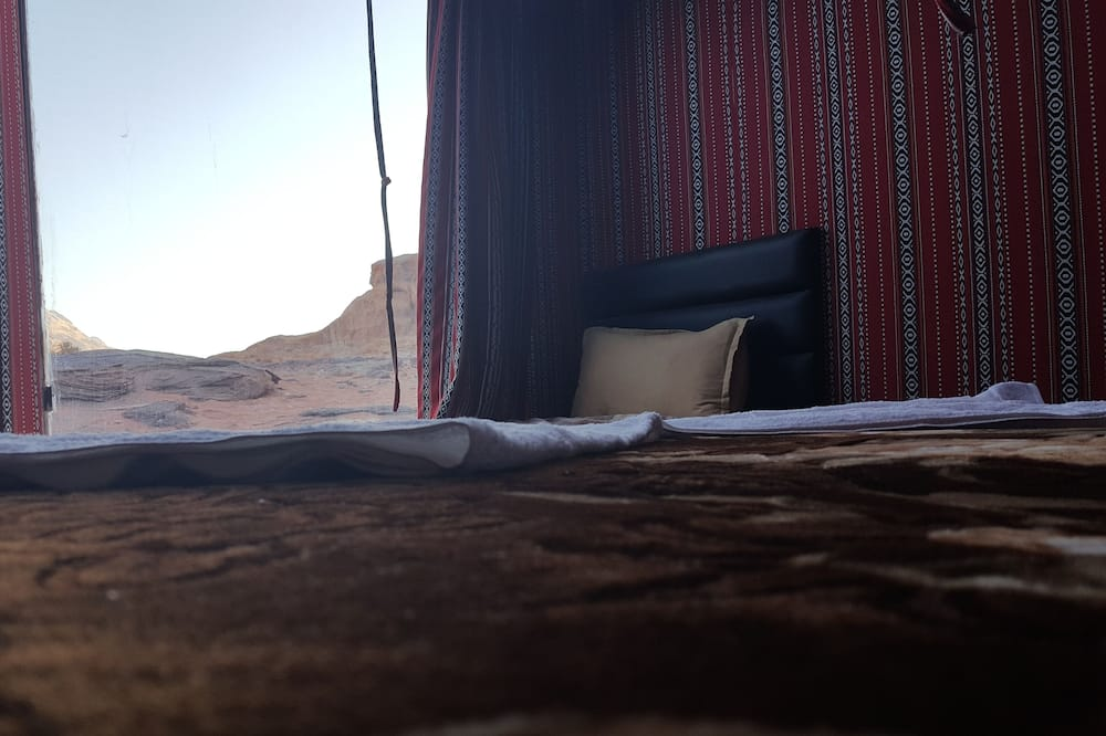 Traditional Room - Desert view