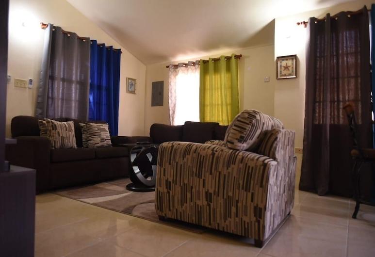 Home in Paradise, Montego Bay, Casa Junior, 2 camere da letto, patio, Area soggiorno