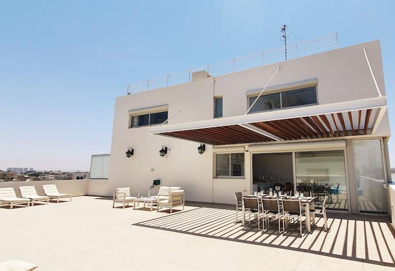 2BDR Roof Top Sea View Neve Tsedek TL56, Tel Aviv